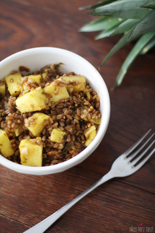 emmer mit koriander und ananas