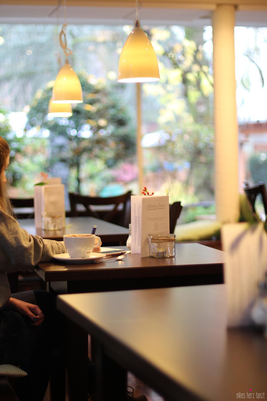 dorfcafe_10 - dorfcafe osterrath arkaden meerbsuch // https://nikesherztanzt.de