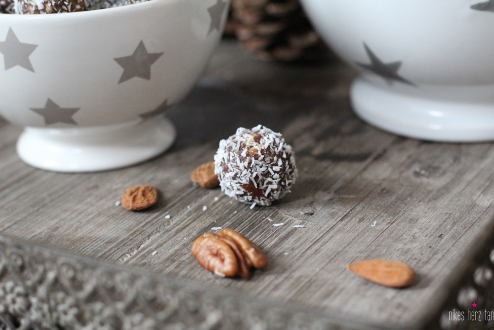 gingerbreadcookieballs02