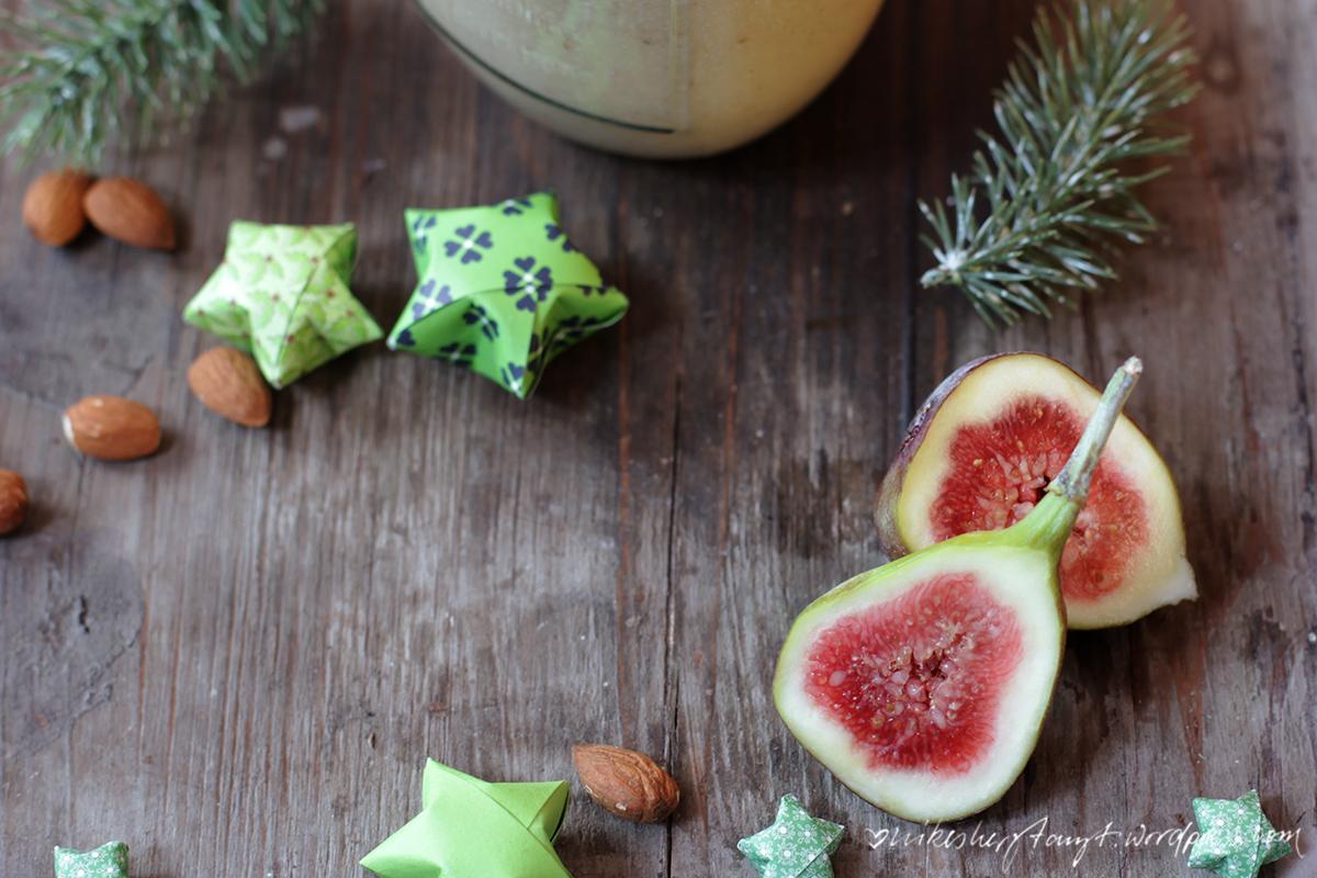 mandelmilch mit datteln, feigen und kardamom, nikesherztanzt, weihnachtszeit, vegan