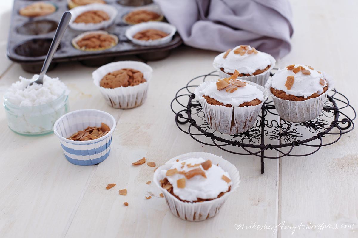 kokomo, cupcakes, kokosnuss, tropicai, kokosöl, kokosmehl, kokosnusschips, sonntagssüß, vegan, nikesherztanzt
