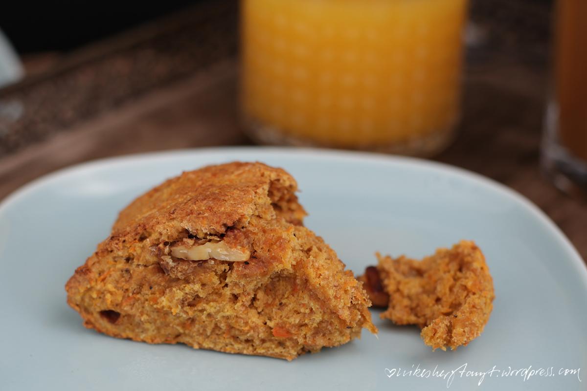 möhren scones, veggie, vegan, frühstücksglück, zuckerzimtundliebe, gebäck, nikesherztanzt, #ichbacksmir