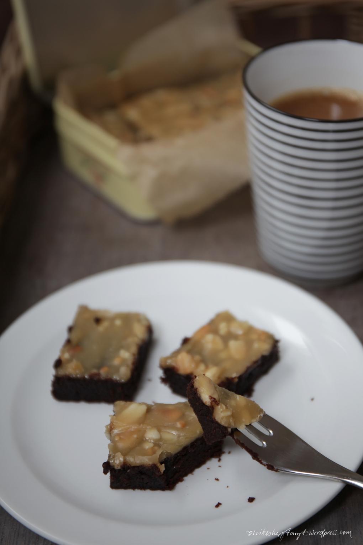 peanutbutter, chocolate, brownies, vegan, fudgy, coffee, erdnussbutter, schokolade, nikesherztanzt