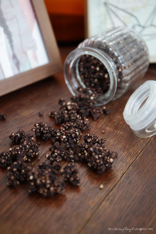 schoko crossies für erwachsene, amaranth, quinoa, kakaobutter, mandeln, crunch, nikesherztanzt