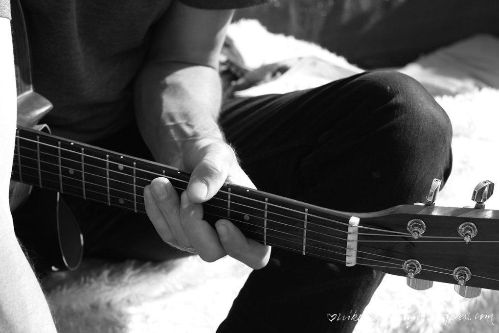 über den dächern, houseshow, konzert, musik ist ein grundnahrungsmittel, ghost of a chance, krist krueger, dachterrasse, gitarren, good time, flix records, nikesherztanzt, tattos