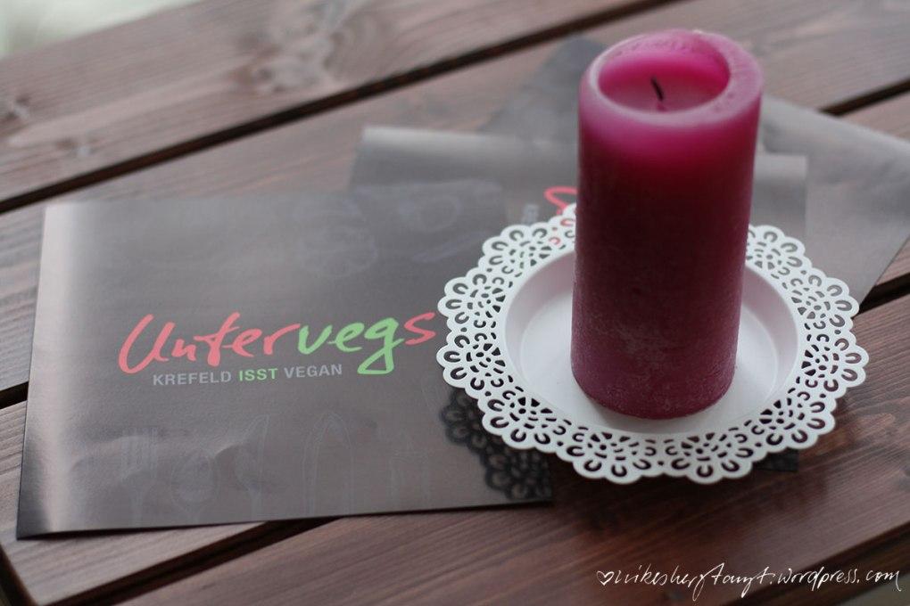 untervegs, krefeld isst vegan, hinterhof, krefeld, vegan, blog, restaurant, nikesherztanzt