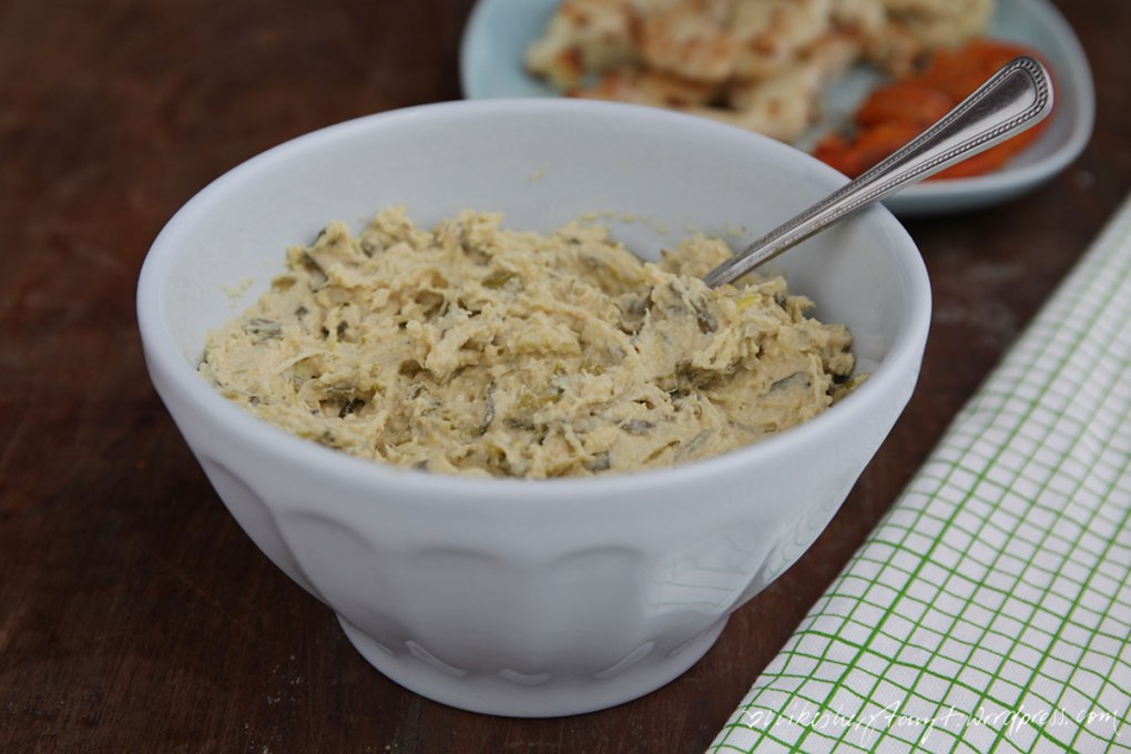 lauchzwiebeln, frühlingszwiebeln, hummus, zitronen, blumenkohl, kürbis, vegan